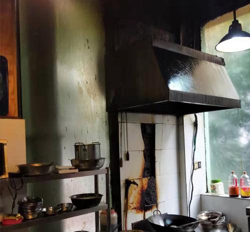 餐厅uv光解废气净化器案例